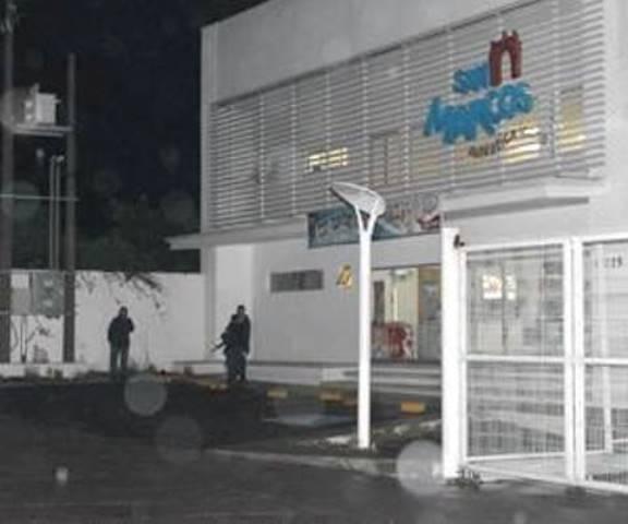 ¡Pistolero asaltó a una mujer y le robó una camioneta de lujo en Aguascalientes!