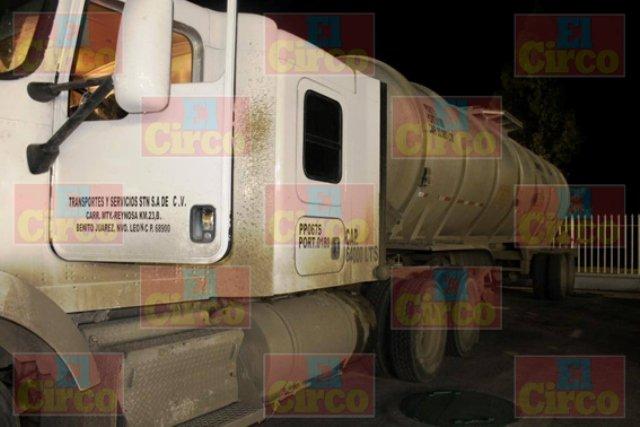 ¡Militares aseguraron una pipa con 32 mil litros de combustible robado en una gasolinera en Fresnillo!
