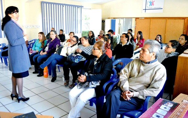 Brinda el ayuntamiento capacitación en valores a familias de Aguascalientes