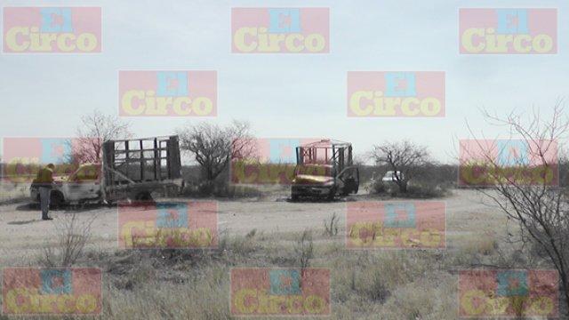 ¡Localizan calcinadas 4 camionetas abandonadas en Fresnillo!