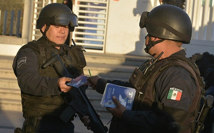 Policías de Ags. deberán mostrar la Cartilla de Derechos a todas las personas detenidas