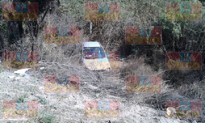 Dos lesionados en volcadura en la carretera a Calvillo