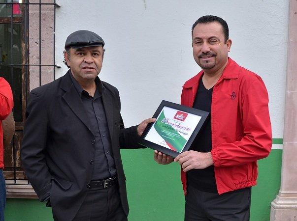 Entrega el municipio de Calera reconocimiento al compositor Juan Pablo Murillo Paniagua