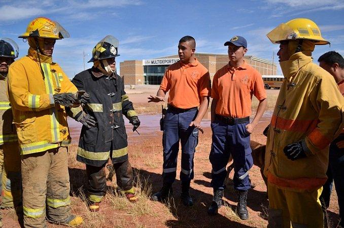 Capacitan a elementos de Protección Civil de Calera, Zacatecas