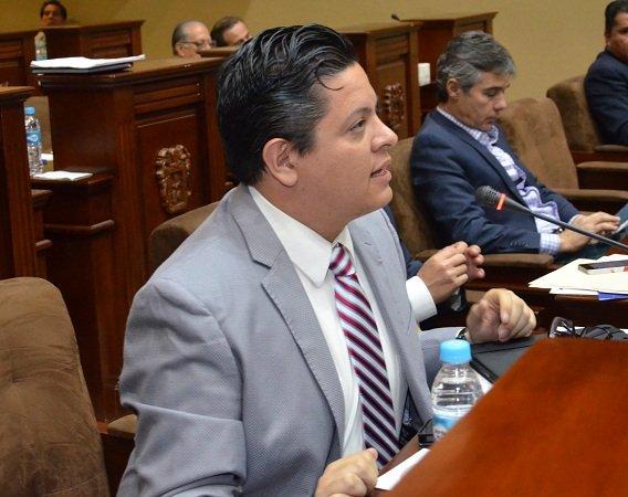Lamentable que diputados del PRI- PVEM legislen por consigna del gobernador: Mario Michaus