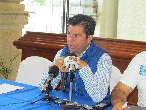 """""""El PRI está temeroso de que yo llegue a ser candidato por el Distrito III"""": J. López"""