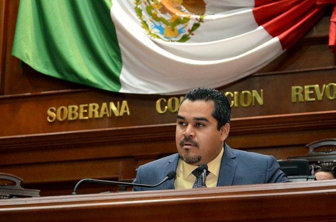 ¡Marco Arturo Delgado reconoció a los migrantes que trabajan por Aguascalientes!