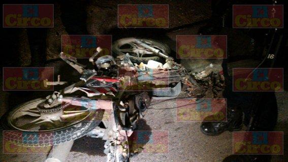 ¡Despedazado murió un motociclista en Fresnillo tras un espantoso accidente!