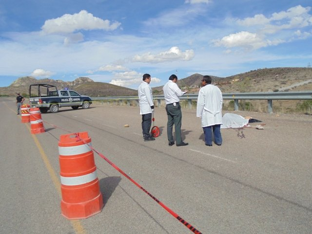 ¡Camión de carga atropelló a un ciclista y le destrozó la cabeza!