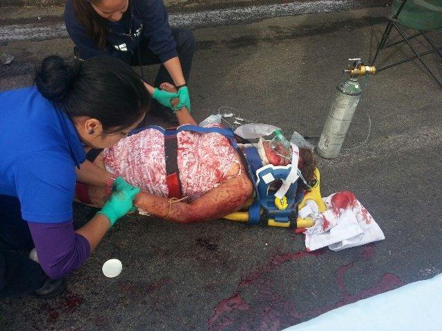 ¡Ya son 2 muertas por el trágico accidente en la 70 Oriente entre un tráiler y 2 camionetas!
