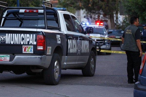 ¡Abandonan el cuerpo de un recién nacido adentro de una caja de huevo en calles de Guadalajara!
