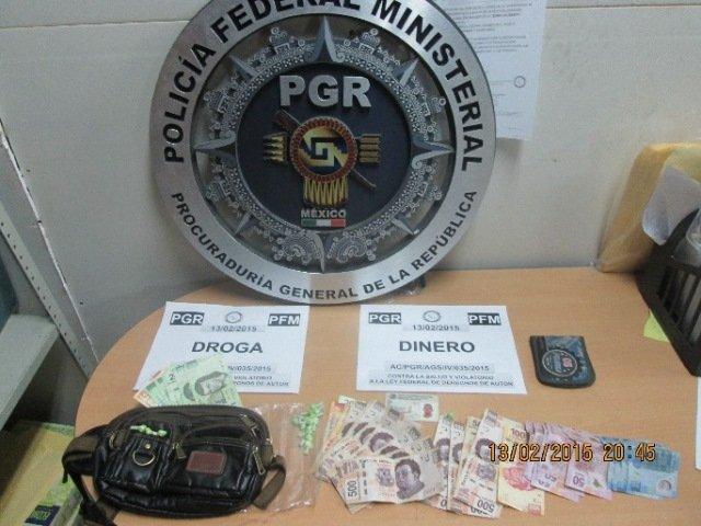 """¡Agentes federales detuvieron a un sujeto y una mujer que vendían droga y """"piratería"""" en Aguascalientes!"""