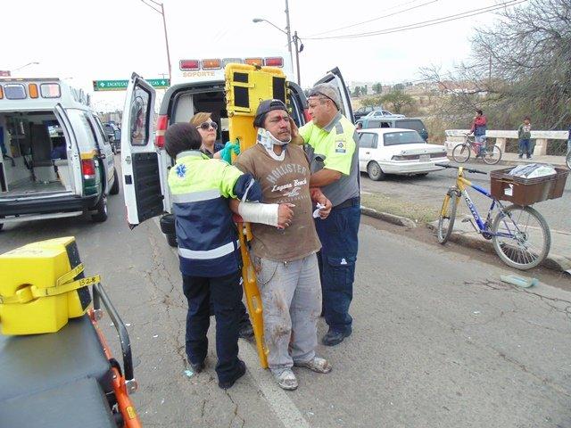 ¡Otro fuerte accidente en VNSA: camioneta chocó contra un tráiler y hubo 3 lesionados!