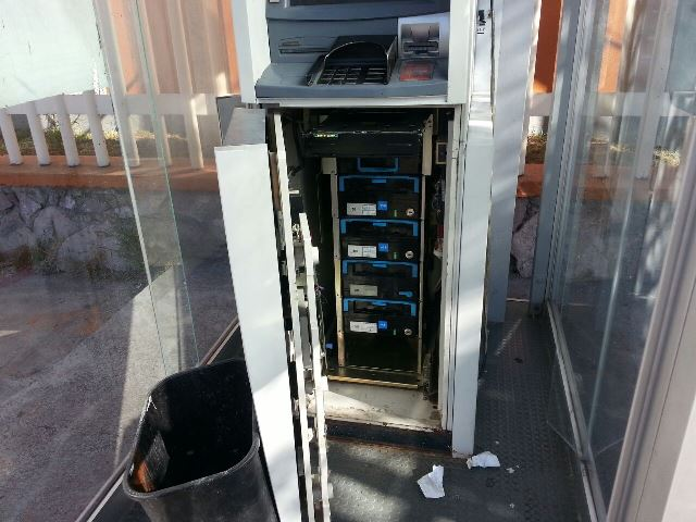 ¡Por descuido, dejaron abierto un cajero automático de Banorte en Aguascalientes!