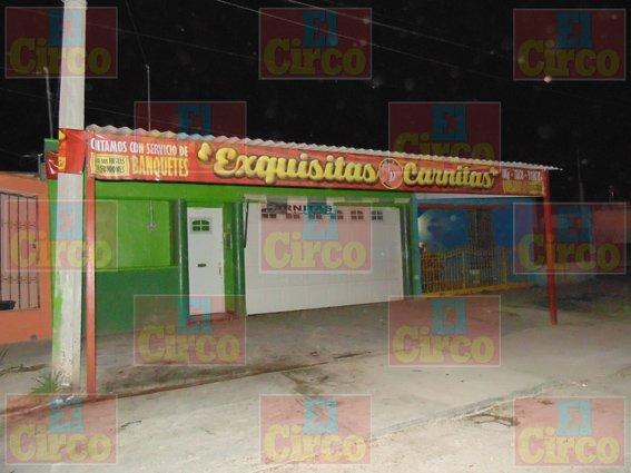 ¡Balean la fachada de un negocio en Aguascalientes!