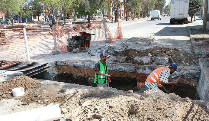 Construye el MunicipioAgs colector pluvial en Canal Interceptor