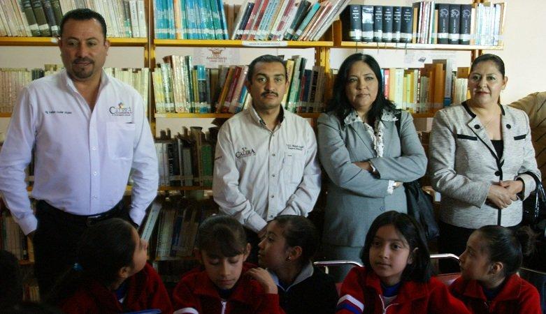 Instalan computadoras en la Biblioteca Municipal de Calera, Zac.
