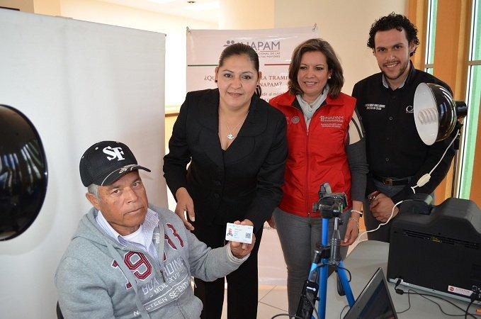 Comienza campaña de credencialización de adultos mayores en el INAPAM de Calera