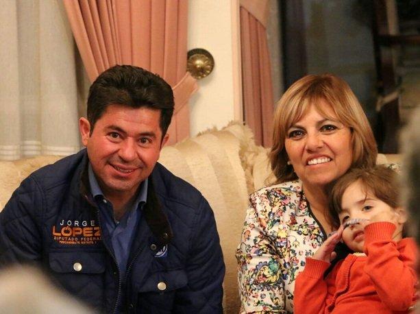 La salud de los niños y sus familias será la prioridad para Jorge López de ganar la candidatura por el Distrito 3