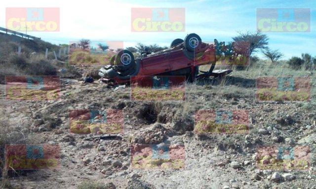 ¡Horrible muerte de un hombre tras volcarse en Saín Alto, Zacatecas!