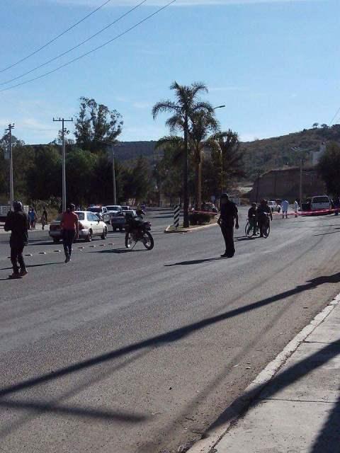 ¡Veloz camioneta arrolló y mató a joven empleada en Aguascalientes!