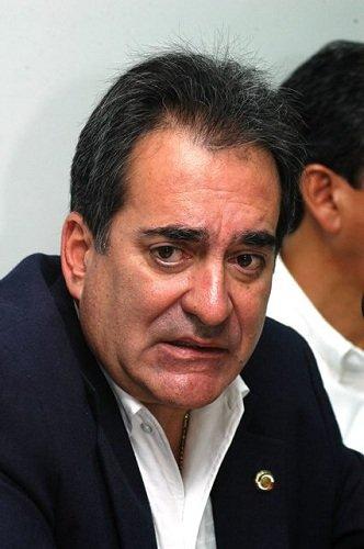 """¡Carlos Lozano """"infla"""" su cifra de seguidores en Twitter para engañar a la gente!"""