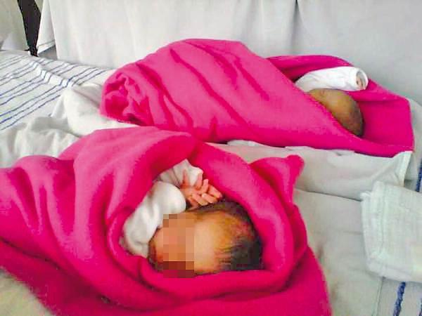 ¡Detienen a mujer que regaló a sus dos hijas gemelas por Whatsapp en Veracruz!
