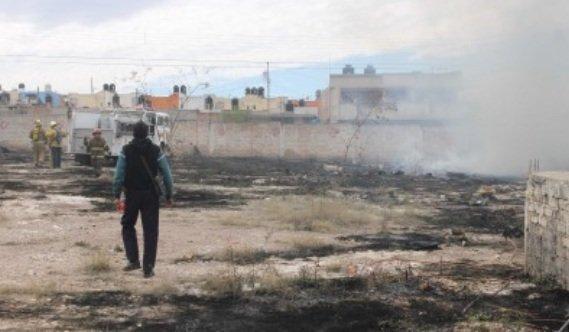 ¡El fuego consumió un taller abandonado en Fresnillo!