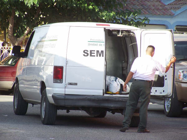 ¡Pleito en Palenque de Chapala acaba con dos muertos a balazos!