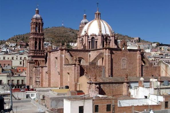 ¡Colocan narcomantas en Zacatecas y municipios del interior!
