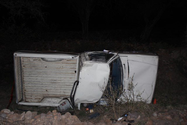 ¡Trágica volcadura de una camioneta en Calvillo dejó 1 muerto y 3 lesionados!