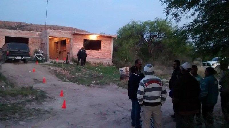 ¡Ejecutan a balazos a policía municipal de Cosío!