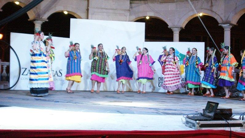 ¡Hizo su debut el Ballet Folklórico de Rosales en Calera!