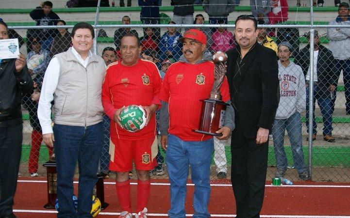 Premió el municipio de Calera a ganadores del Torneo de Futbol de Veteranos