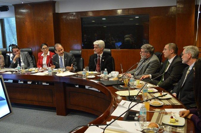 Se reunió MOS con ejecutivos del Banco Mundial para analizar apoyos a la industria nacional