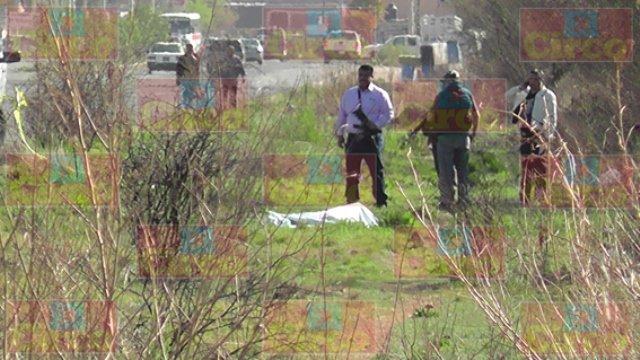 ¡Ejecutaron a otro joven en Fresnillo y tiraron su cadáver con un narco-mensaje!