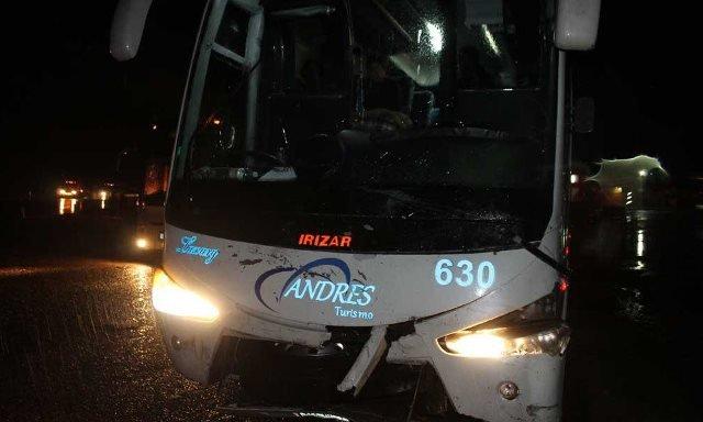 ¡Fatal choque entre autobús y coche dejó 1 muerto y 3 lesionados en Fresnillo!