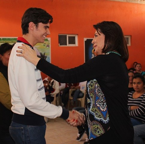 """¡La Fundación """"Mamá Cuca"""" entregó 200 becas a estudiantes de Jesús María y San José de Gracia!"""