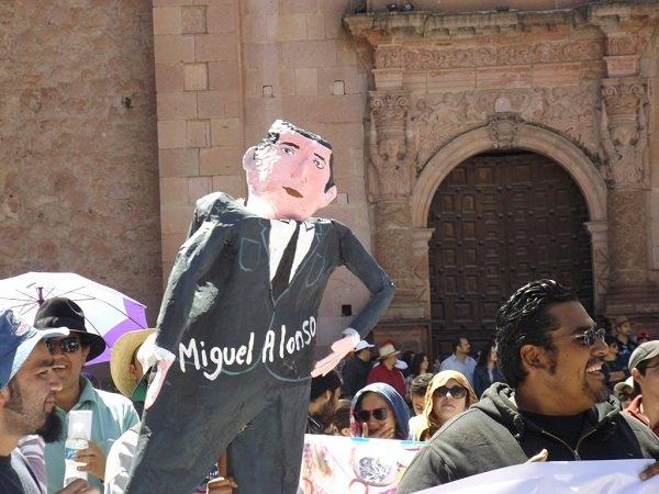 Ineptitud para resolver la huelga en la UAZ le quema las manos al gobernador Miguel Alonso