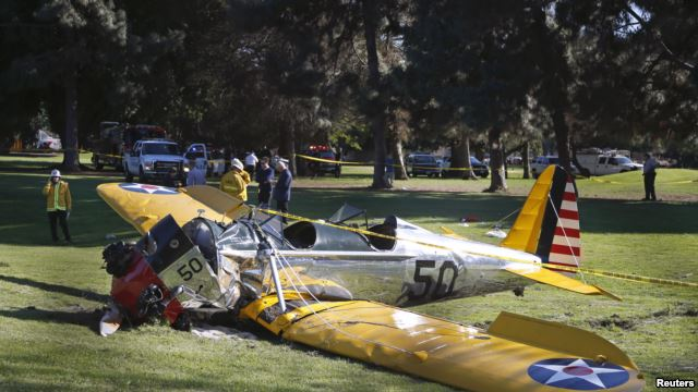 ¡El actor Harrison Ford sufre accidente aéreo!