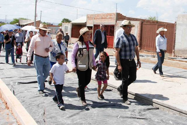 ¡Margarita Gallegos realizó gira de supervisión de obra pública en comunidades de San Francisco de los Romo !