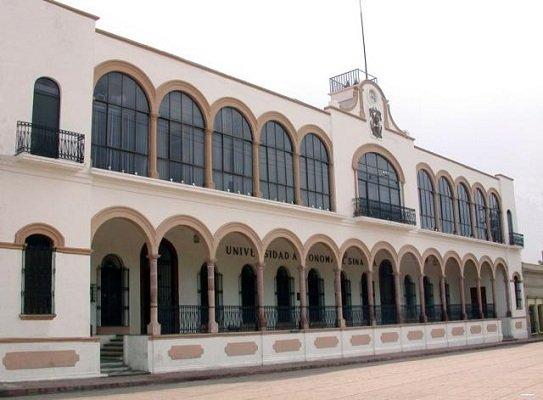¡Comando armado secuestra a joven al interior de la Universidad Autónoma de Sinaloa!