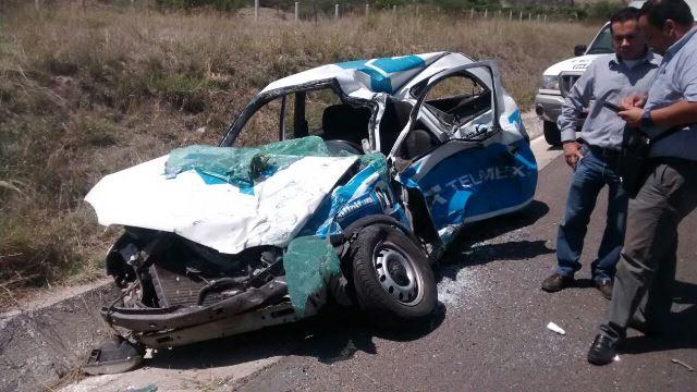 ¡2 lesionados tras fuertes accidentes en la carretera 70 Poniente!