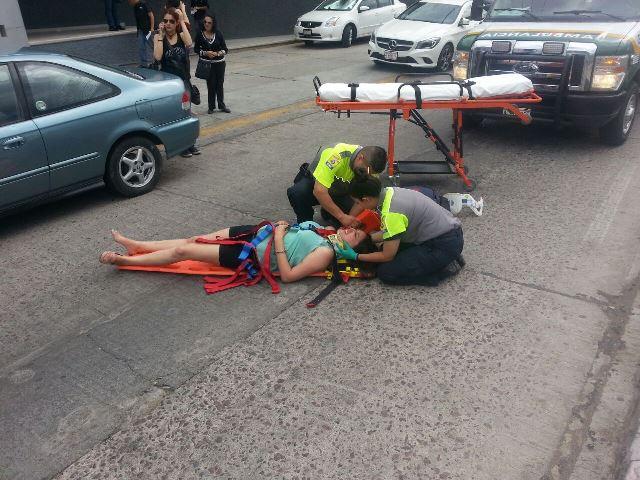 ¡FOTOGALERIA/ 2 mujeres lesionadas en aparatosos accidentes en Aguascalientes!