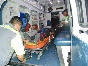 2 OFLS POLICIA ESTATAL LESIONADOS ACCIDENTE (6)