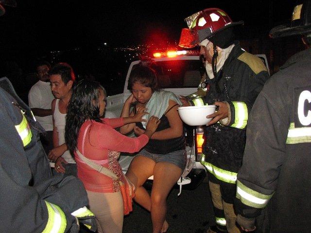 ¡Una familia se salvó de morir calcinada al incendiarse su casa en Aguascalientes!