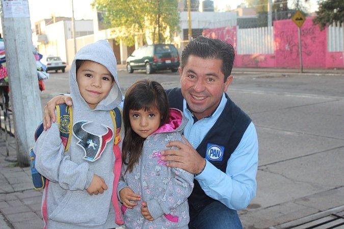 ¡Plantea Jorge López mayores políticas públicas a favor de los niños!