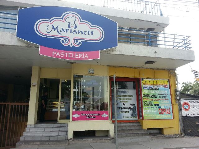 ¡Sujeto armado con un cuchillo asaltó una pastelería en Aguascalientes!