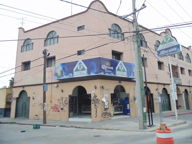 ¡Siguen los asaltos en Aguascalientes: a punta de pistola atracaron otros 2 negocios!