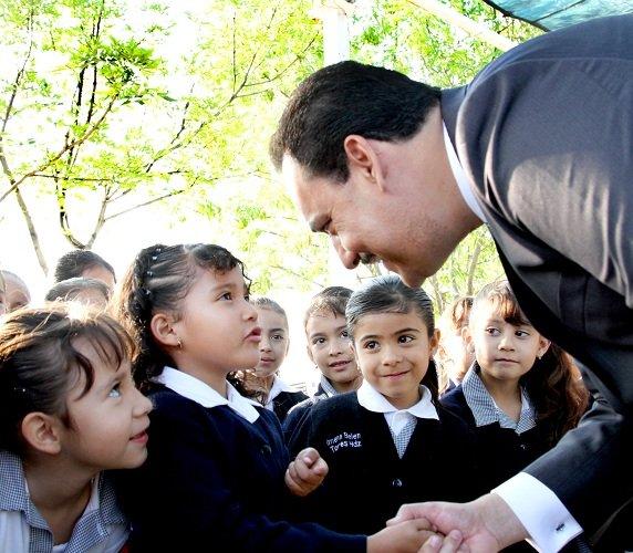 "Balconean a Toño Martín del Campo: Va a ""chapulinear"" para la gubernatura de Aguascalientes"
